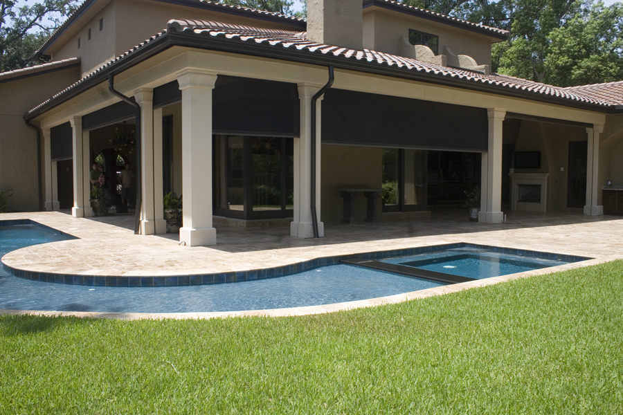 Motorized retractable patio screens longhorn solar screens for Retractable patio screens