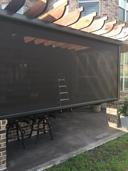 3 Reasons to Consider Patio Roll Away Shades