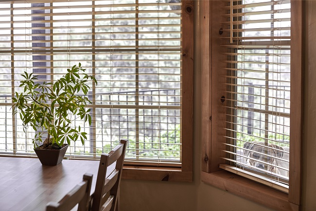 3 Tips for Getting Blinds Installed in an Open Kitchen