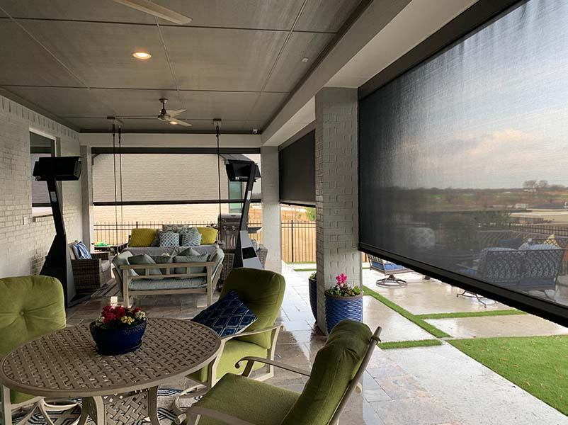 Keep Customers Happy Year-Round with Retractable Patio Screens
